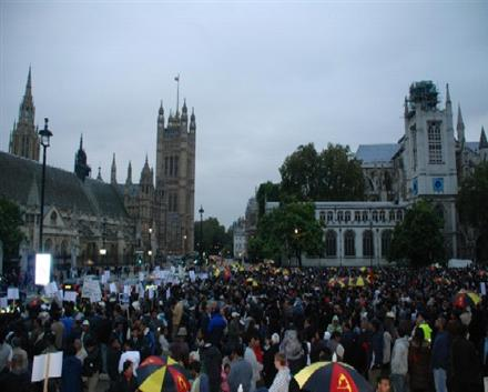 Mass protest in London :