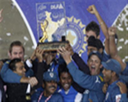 Deccan Chargers beat Royal Challengers Bangalore by six runs :