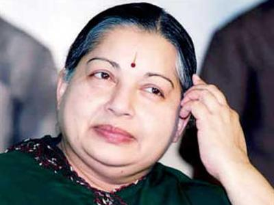 Jayalalithaa seeks Manmohan's intervention